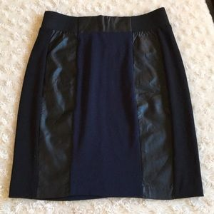 H & M Faux Leather Look Mini Skirt SZ 6 EUC!
